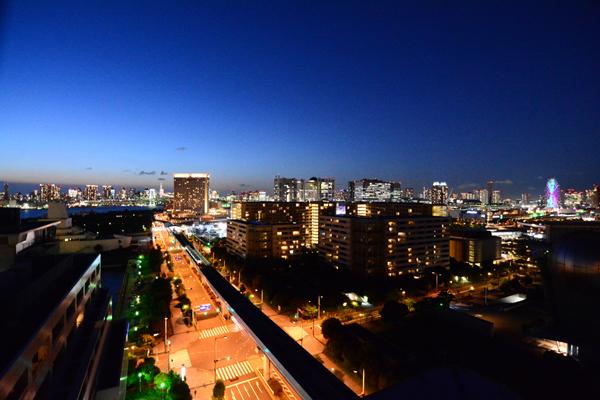 アンドバリュー株式会社お台場支店からの夜景