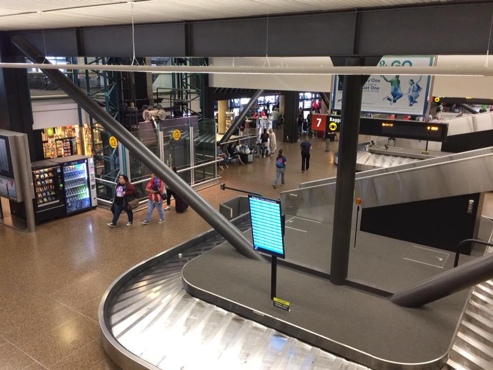 シアトル タコマ国際空港 鈴木良治