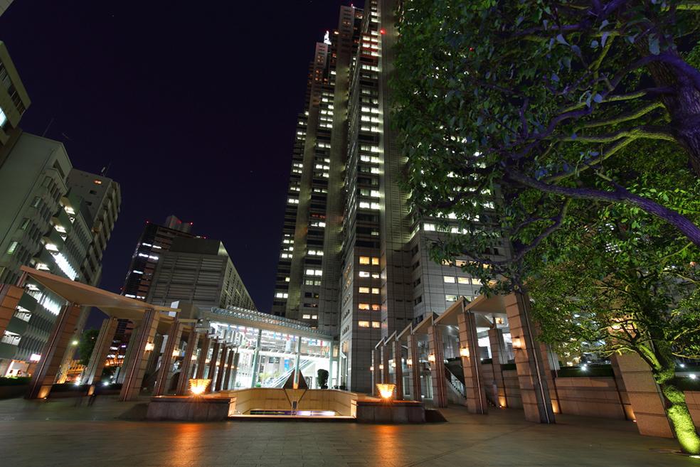 アンドバリュー株式会社新宿パークタワー支店の夜景
